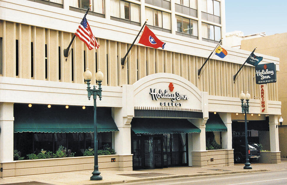Exterior and entrance to Holiday Inn Select Downtown in Memphis Tennessee.