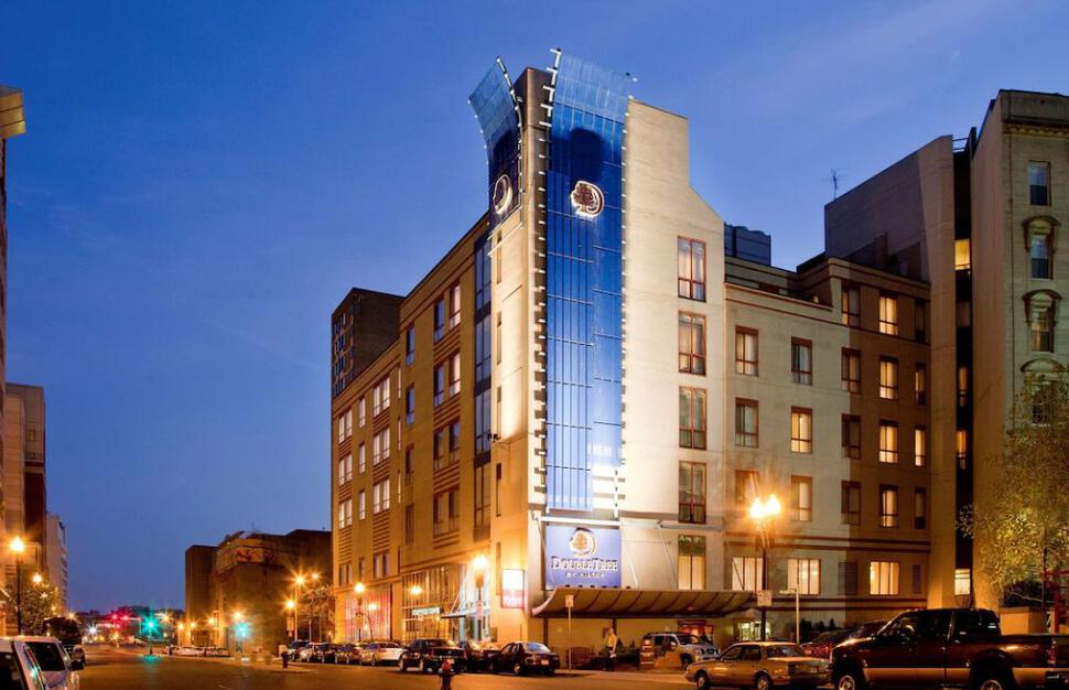Standard Double Double Room, DoubleTree by Hilton Boston - Downtown, Massachusetts, New England, USA