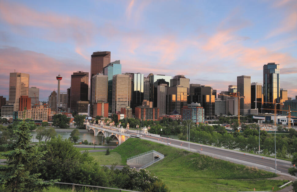 2 nights Calgary - 5 nights Banff