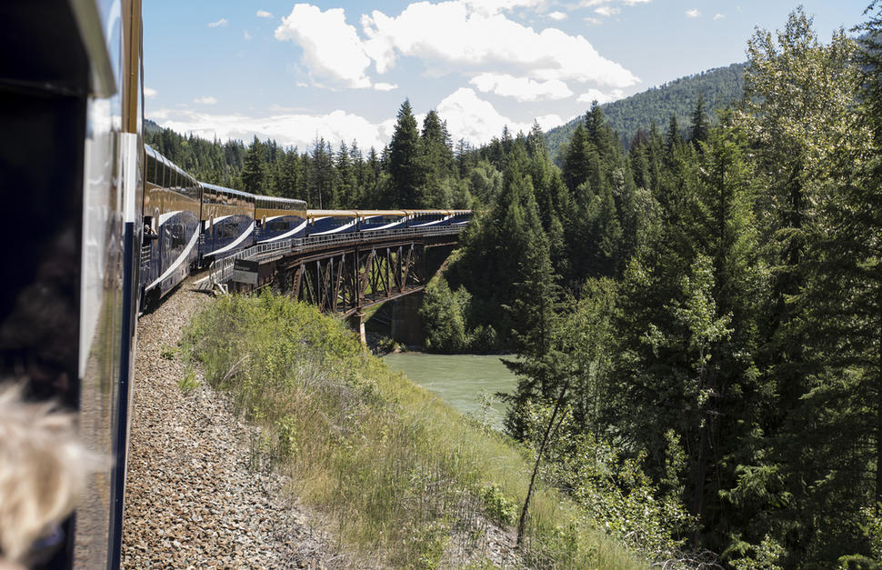 Rocky Mountaineer - Rainforest to Gold Rush Classic